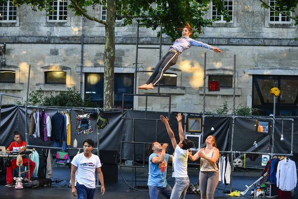 Festival de cirque d'été organisé par le service culturel de la Mairie de Niort